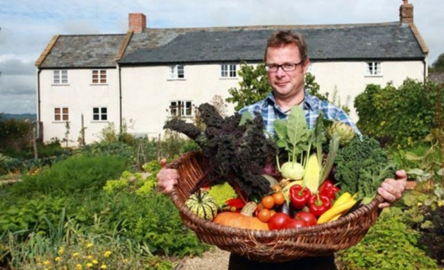 Hugh Fearnley-Whittingstall raises £1m for River Cottage using Crowdcube mini-bonds
