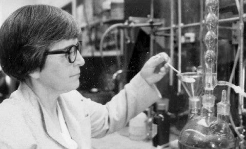 Stephanie Kwolek at the Pioneering Research Lab at the Experimental Station.