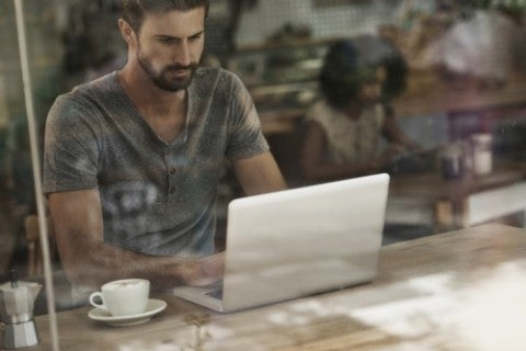 Coffee-shop-office-mobile-working