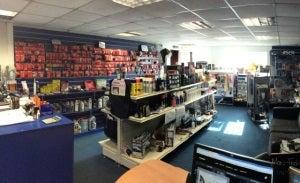 Robbies car repair shop 3