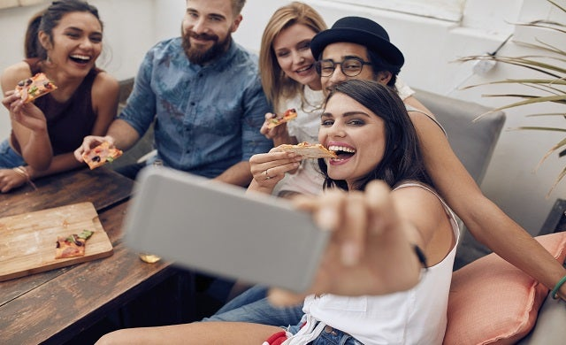 5 ways businesses can win over the hearts (and wallets) of millennials