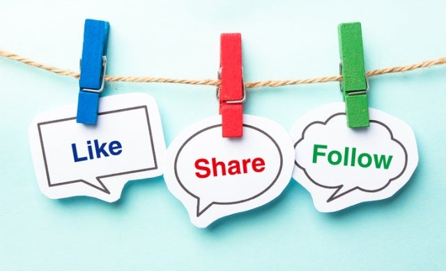 How to use blogging and social media for self advertising