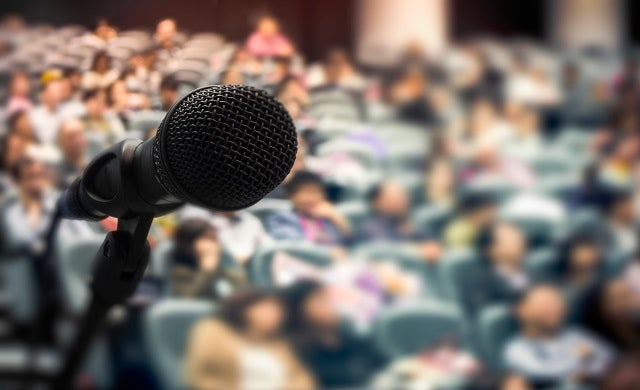 How to secure keynote speaker gigs for your business