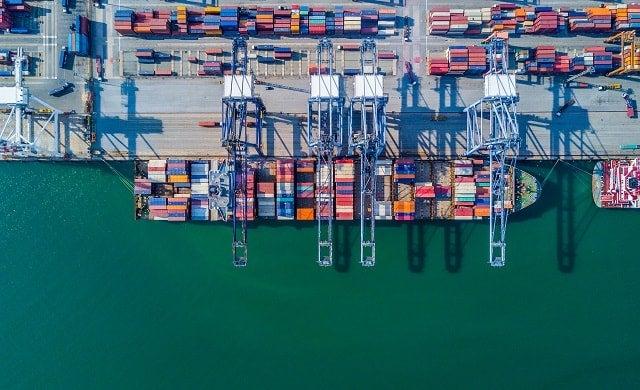 Export ship in dock