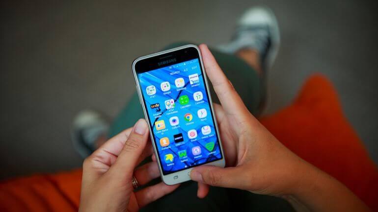 samsung galaxy j3 phone