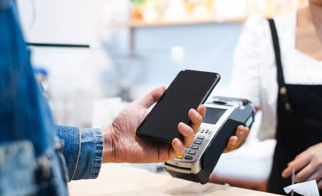 Should businesses go cashless to help stop Covid-19? | Startups.co.uk